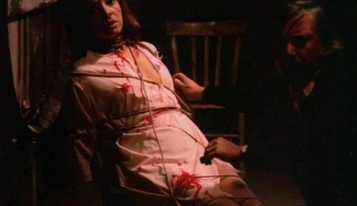 vampiros-lesbos-photogramme-7