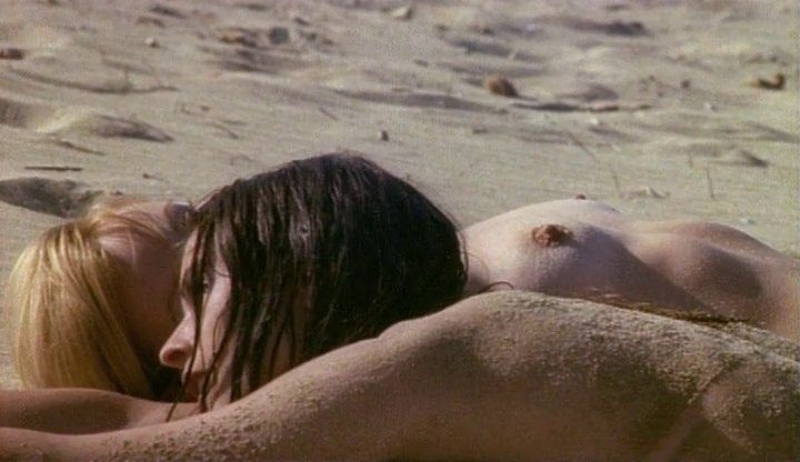 vampiros-lesbos-photogramme-8